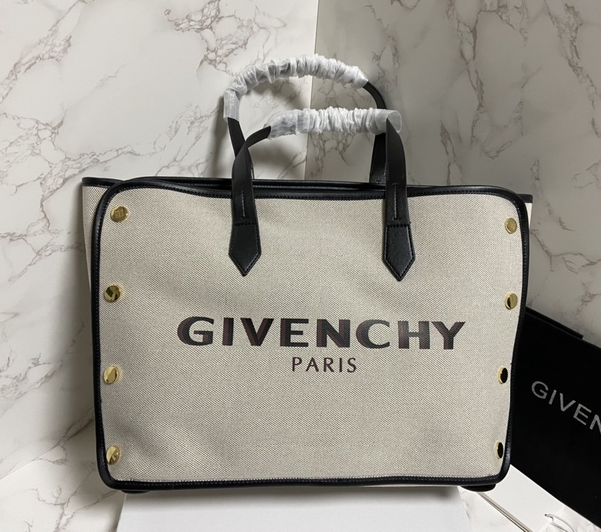 Givenchy Bond Medium Shopper BB50AVB Black Leather