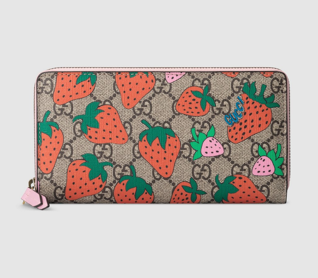 Gucci GG Wallet with Gucci Strawberry Print ‎573865 Pink Leather