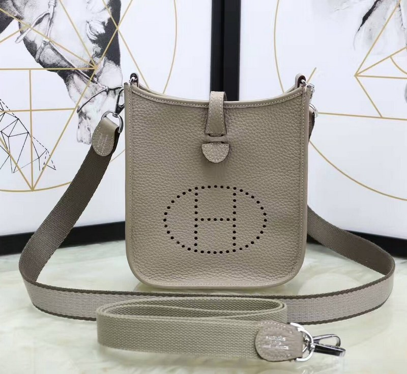 Hermes Evelyne TPM H1552 Light Grey