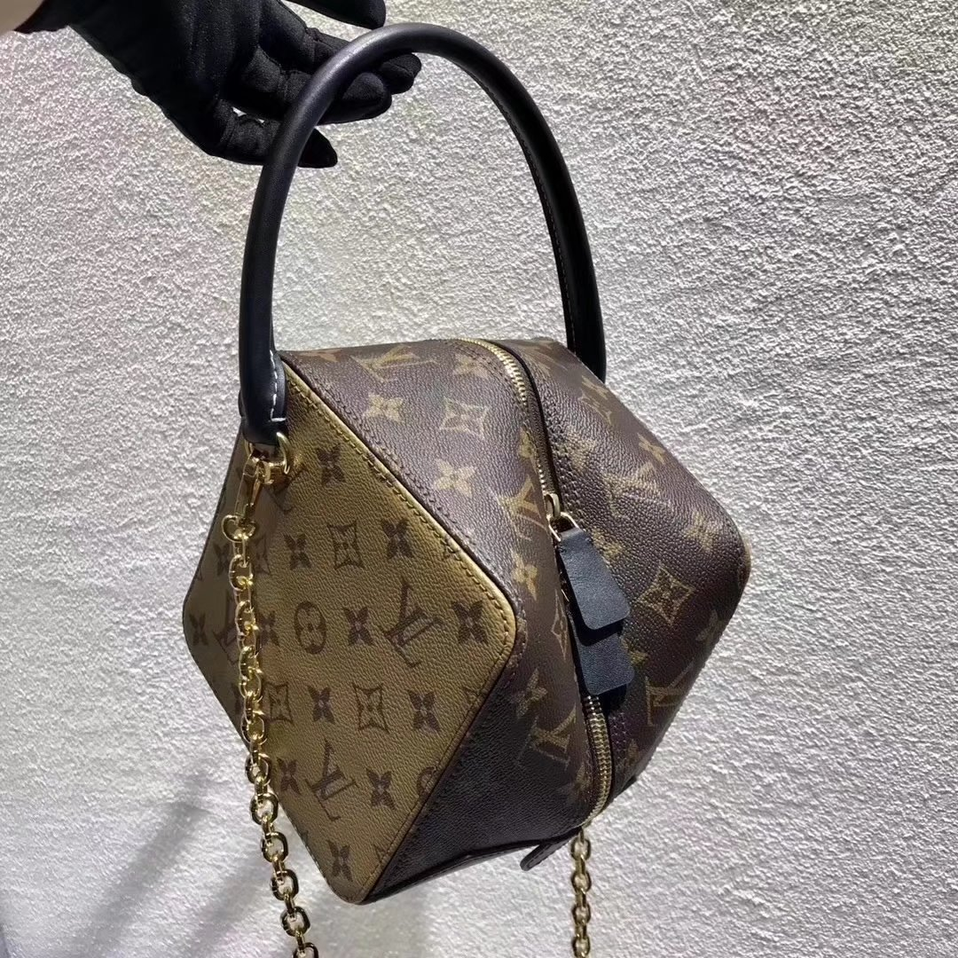 Louis Vuitton Square Bag M43589 M43589 219 Www