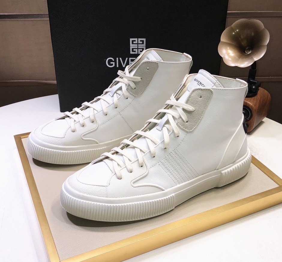 Givenchy Mid-Top Sneakers G57555-4