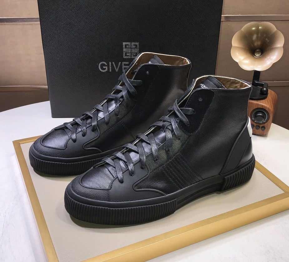 Givenchy Mid-Top Sneakers G57555-5