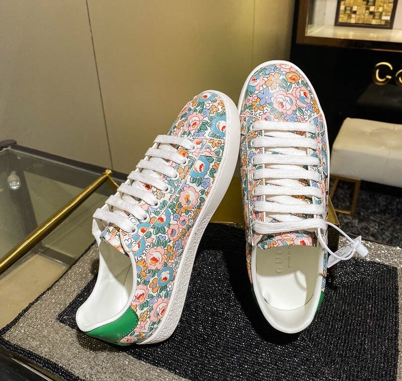 Gucci Ace Gucci Liberty Floral Sneaker 636357 Green Leather