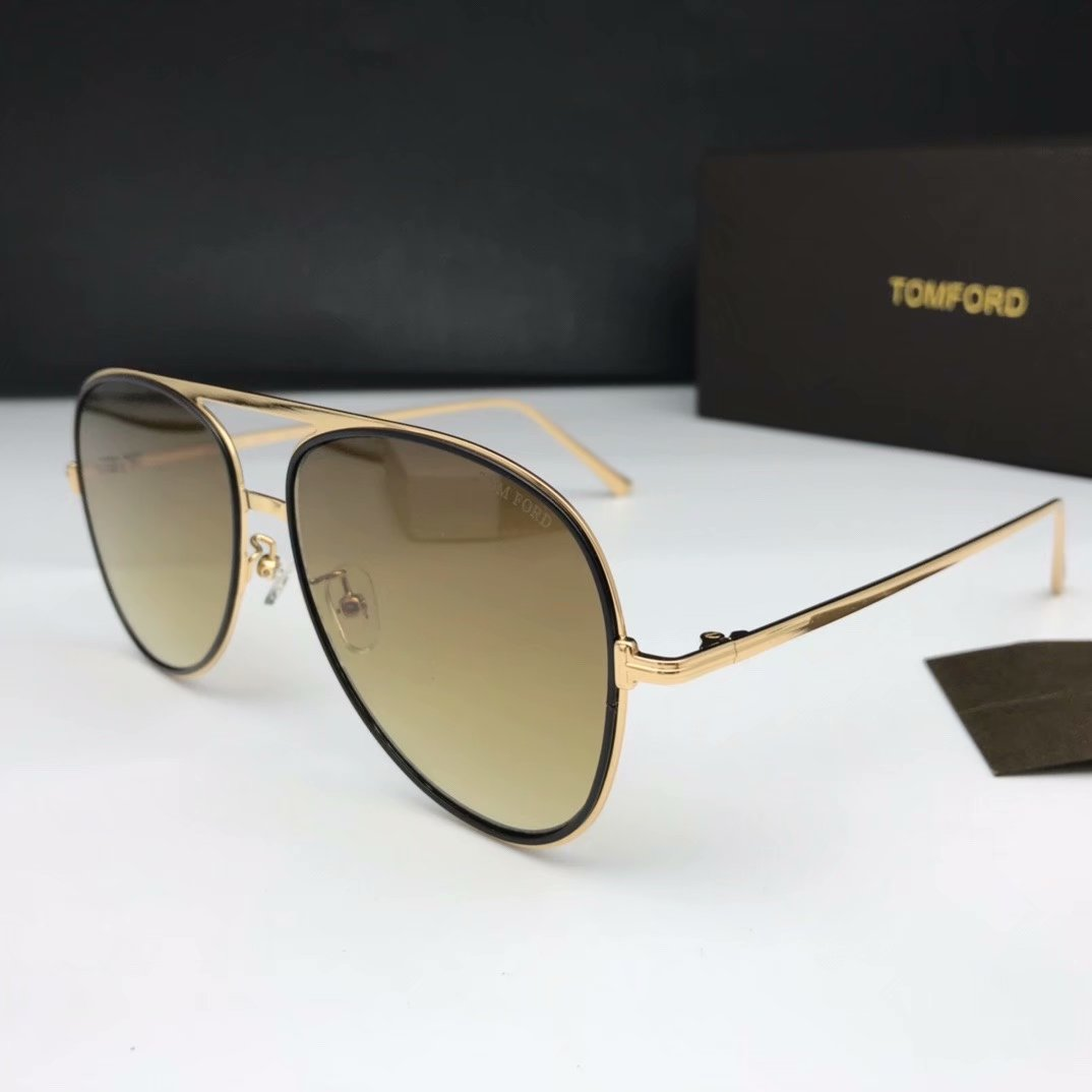 Tom Ford Sunglasses TF1090-2