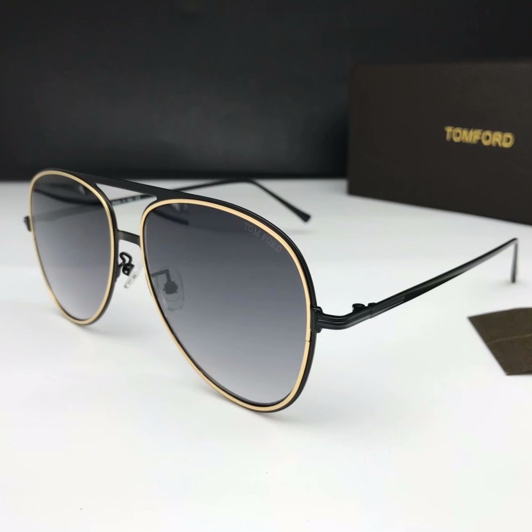 Tom Ford Sunglasses TF1090-3