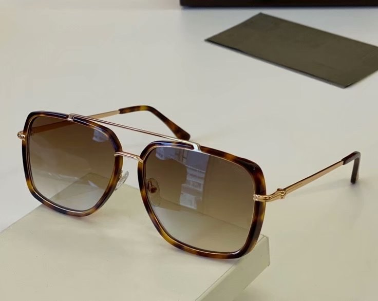 Tom Ford Lionel Sunglasses FT0750-2