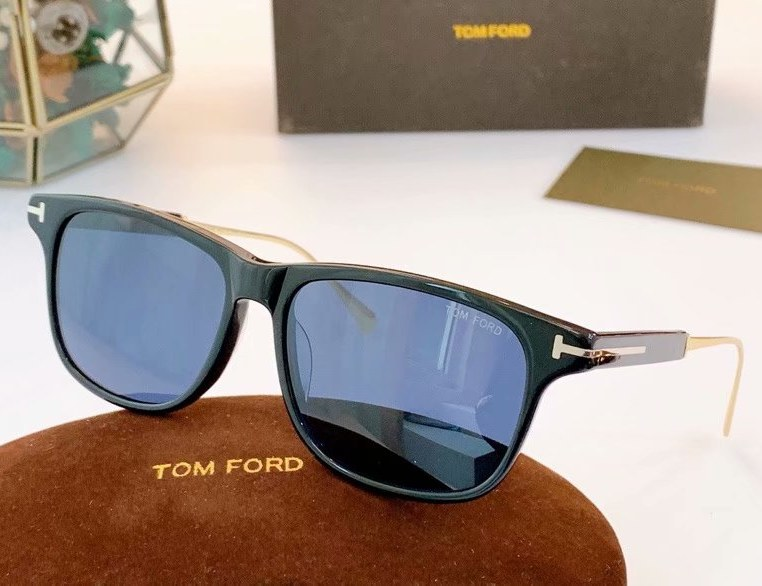 Tom Ford Fletcher Sunglasses FT0832-3