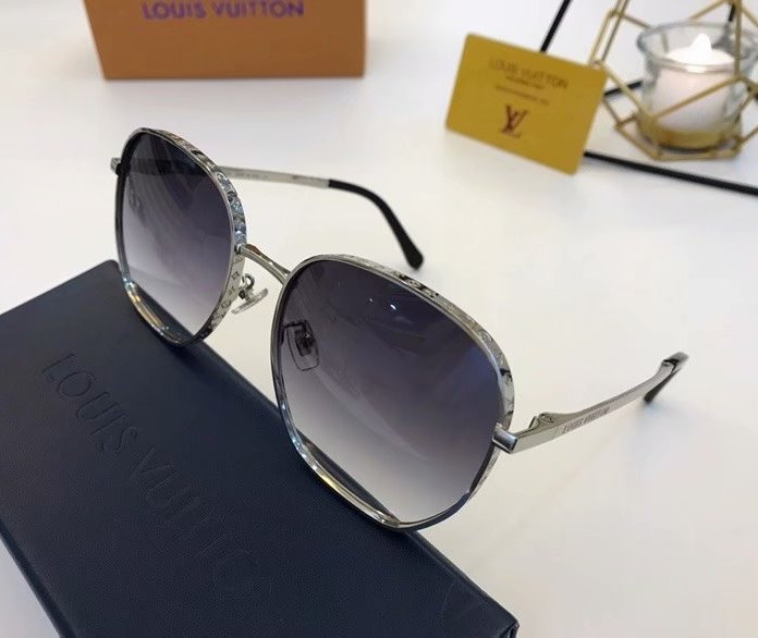 Louis Vuitton LV Catch Round Sunglasses Z1352E-4
