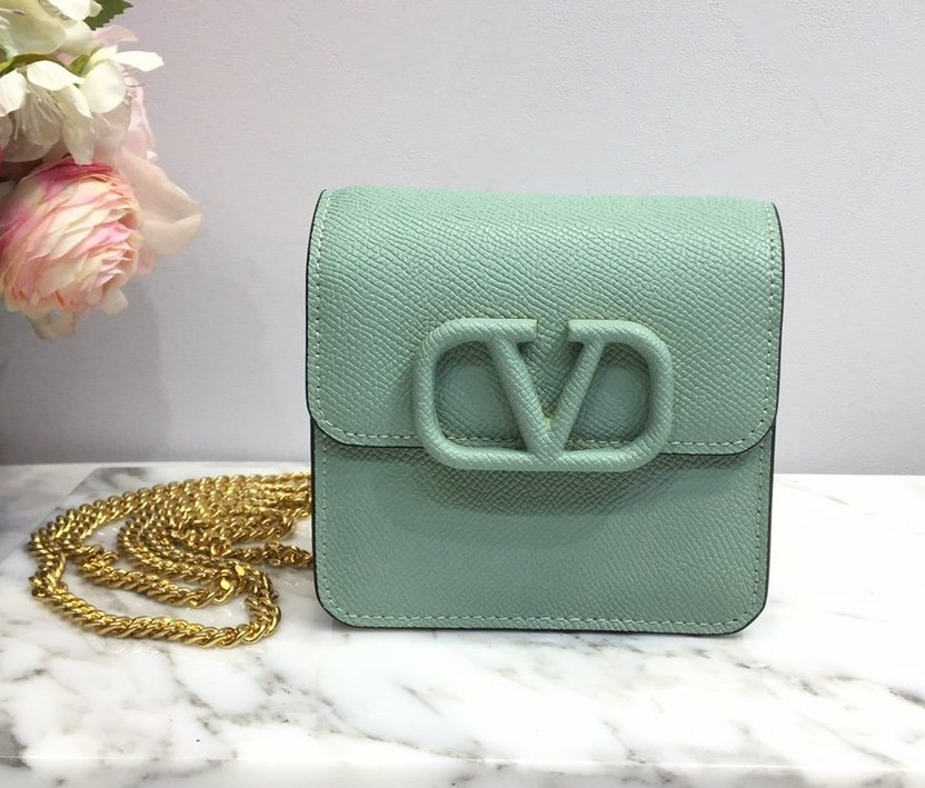 Valentino Garavani Compact VSLING Chain Wallet SW0P0S96 Light Green