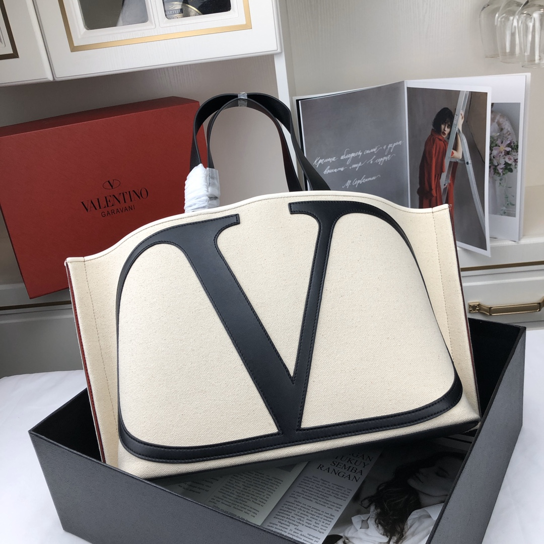 Valentino Garavani Vlogo Canvas Beach Bag 398352A Beige