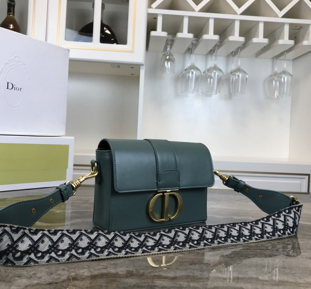 Dior 30 Montaigne Calfskin Small Flap Bag CD2021 Green